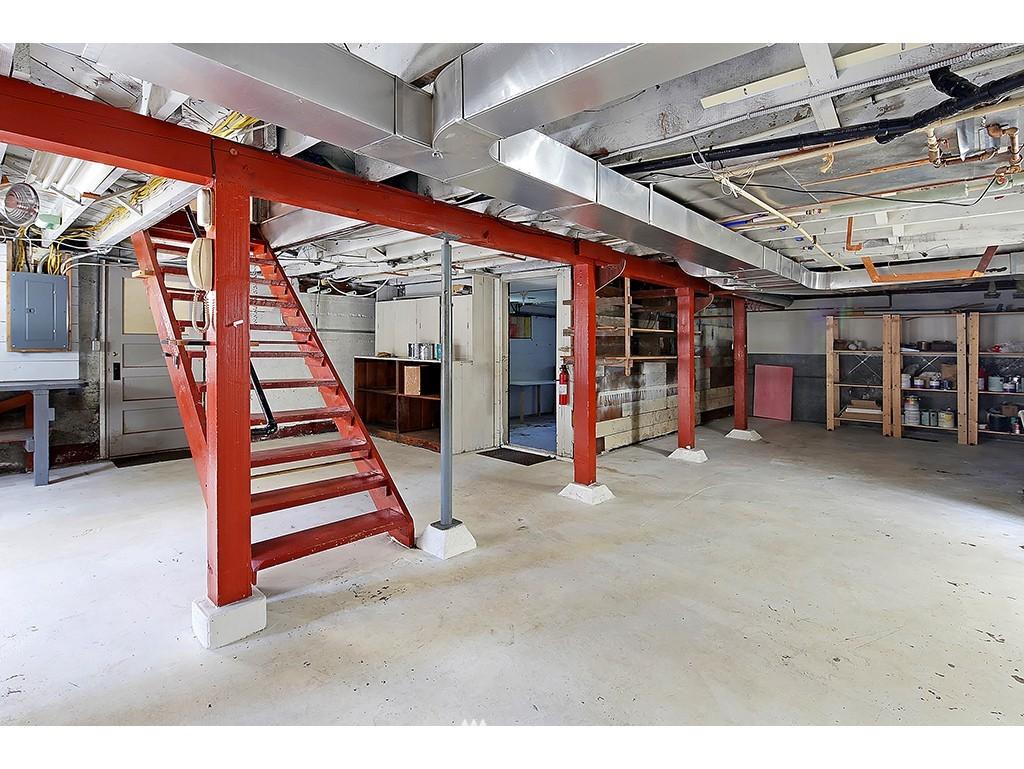 Sold Property   3215 NW 71st Street Seattle, WA 98117 12