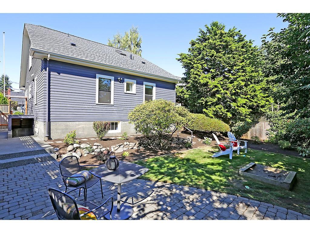 Sold Property   3215 NW 71st Street Seattle, WA 98117 13