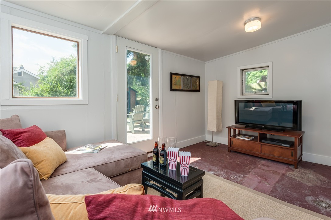Sold Property   8319 16th Avenue NW Seattle, WA 98117 13