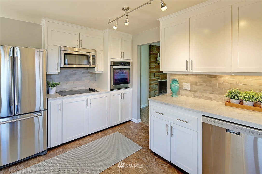 Sold Property   7321 13th Avenue NW Seattle, WA 98117 6