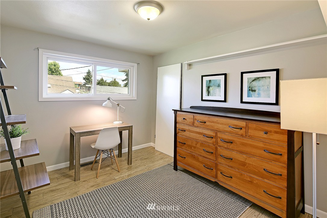 Sold Property   7321 13th Avenue NW Seattle, WA 98117 10