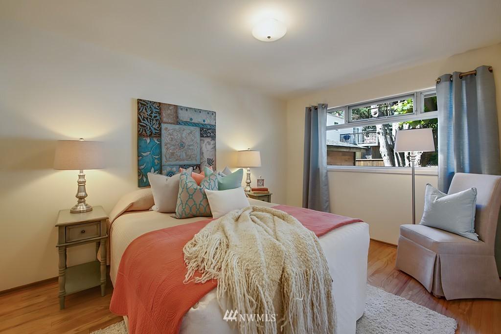 Sold Property | 3514 W Dravus Seattle, WA 98199 9