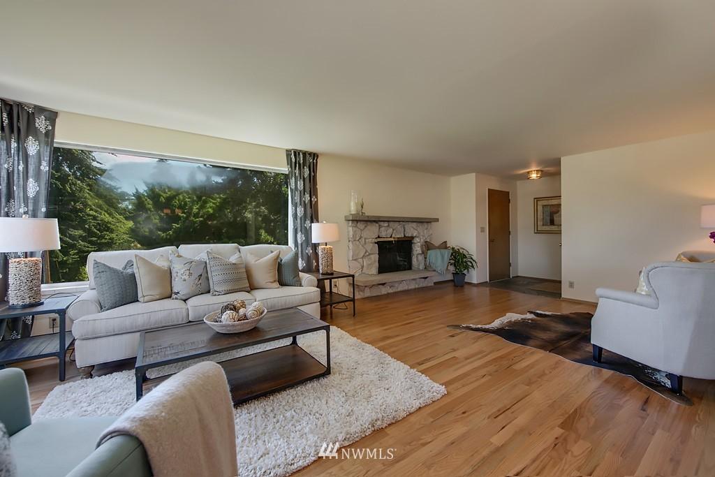Sold Property | 3514 W Dravus Seattle, WA 98199 3