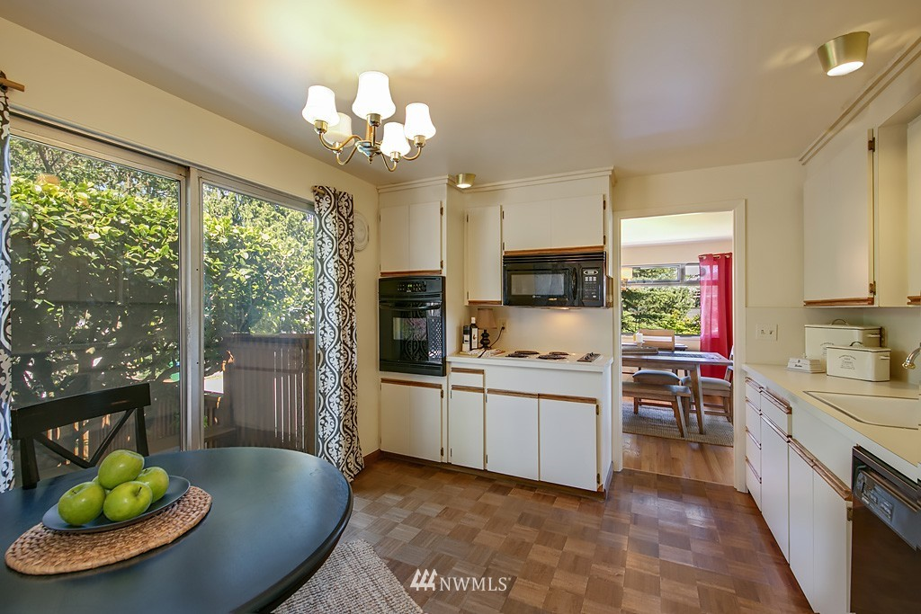 Sold Property | 3514 W Dravus Seattle, WA 98199 6