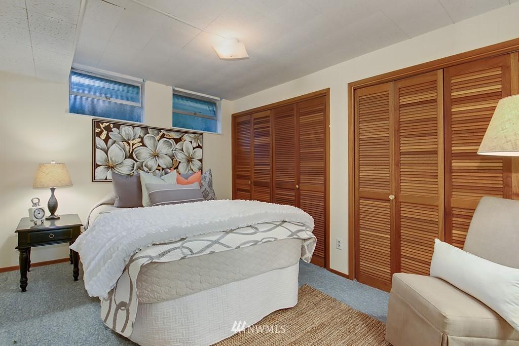 Sold Property | 3514 W Dravus Seattle, WA 98199 11