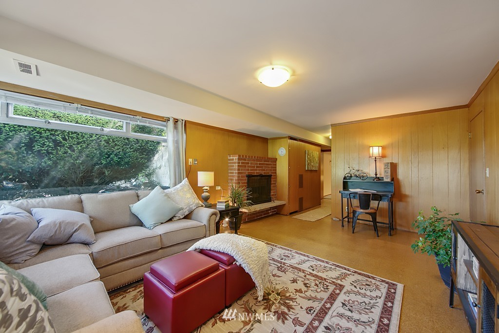 Sold Property | 3514 W Dravus Seattle, WA 98199 15