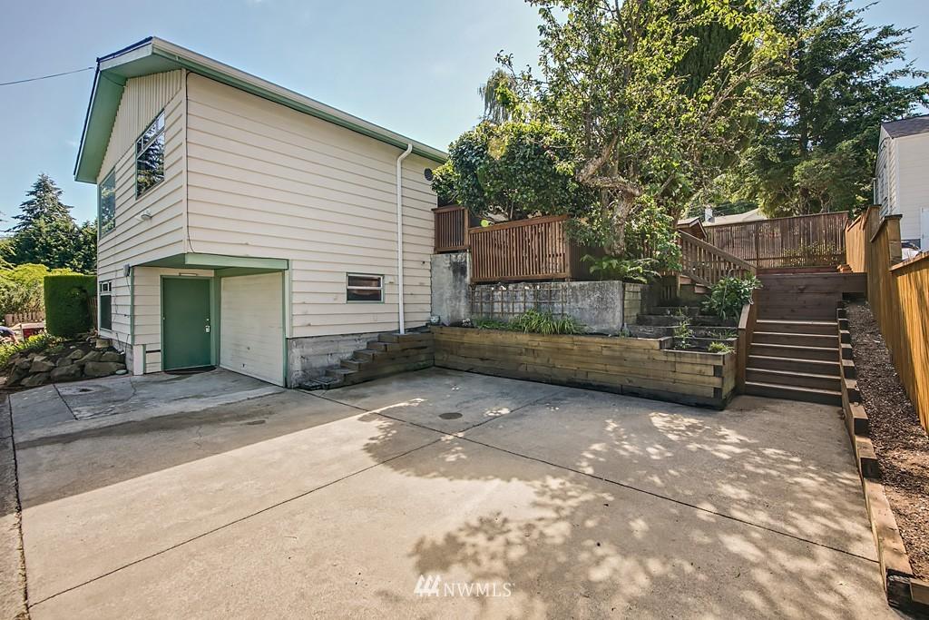 Sold Property | 3514 W Dravus Seattle, WA 98199 19