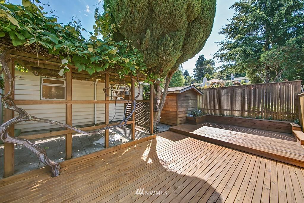 Sold Property | 3514 W Dravus Seattle, WA 98199 18