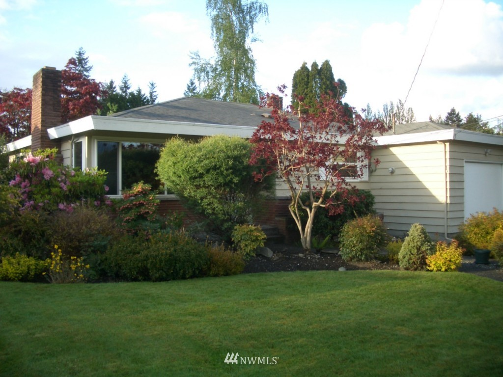 Sold Property | 1600 NE 137th Seattle, WA 98125 0