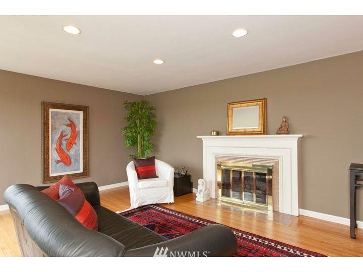 Sold Property   2545 37th Avenue W Seattle, WA 98199 3