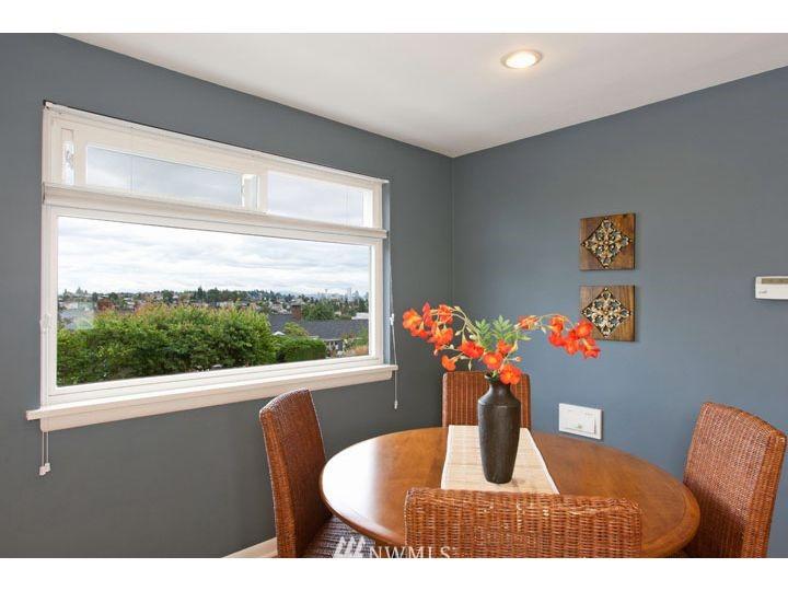 Sold Property   2545 37th Avenue W Seattle, WA 98199 6