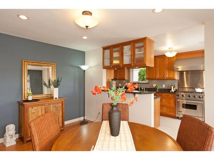 Sold Property   2545 37th Avenue W Seattle, WA 98199 7