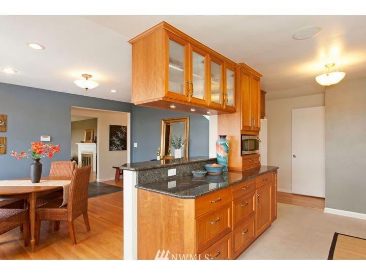 Sold Property   2545 37th Avenue W Seattle, WA 98199 8