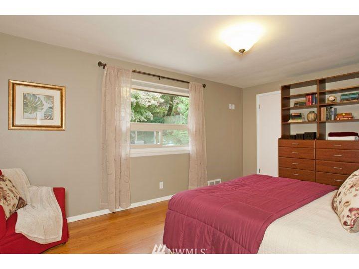 Sold Property   2545 37th Avenue W Seattle, WA 98199 13