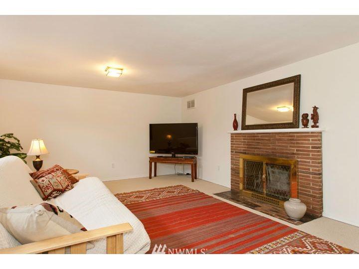Sold Property   2545 37th Avenue W Seattle, WA 98199 17