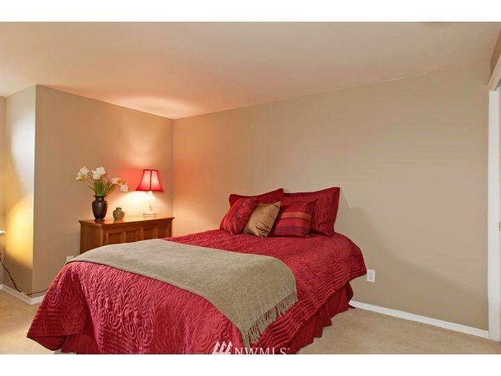 Sold Property   2545 37th Avenue W Seattle, WA 98199 18