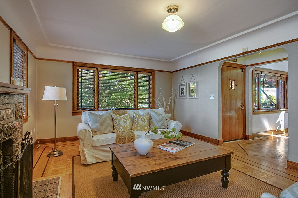 Sold Property | 6709 14th Avenue NW Seattle, WA 98117 3