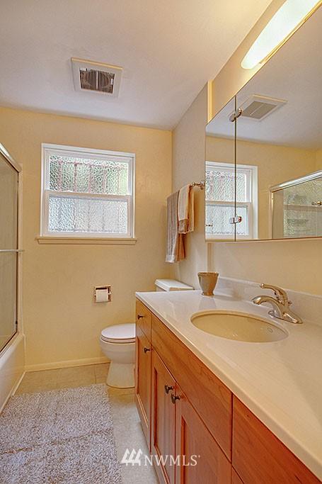 Sold Property   7527 28th Avenue NE Seattle, WA 98115 10