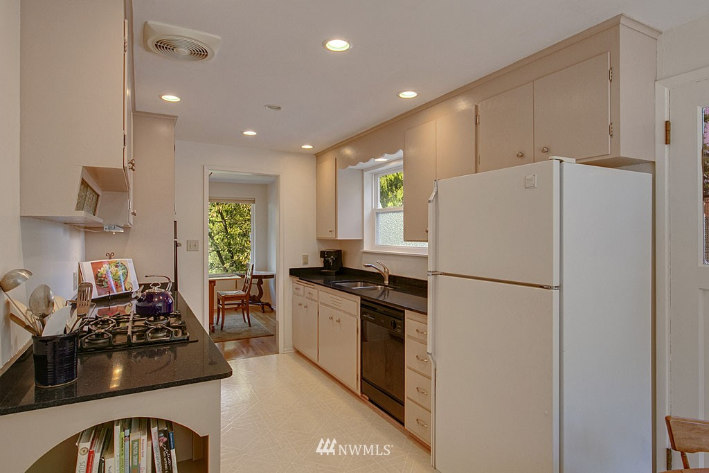 Sold Property   7527 28th Avenue NE Seattle, WA 98115 7