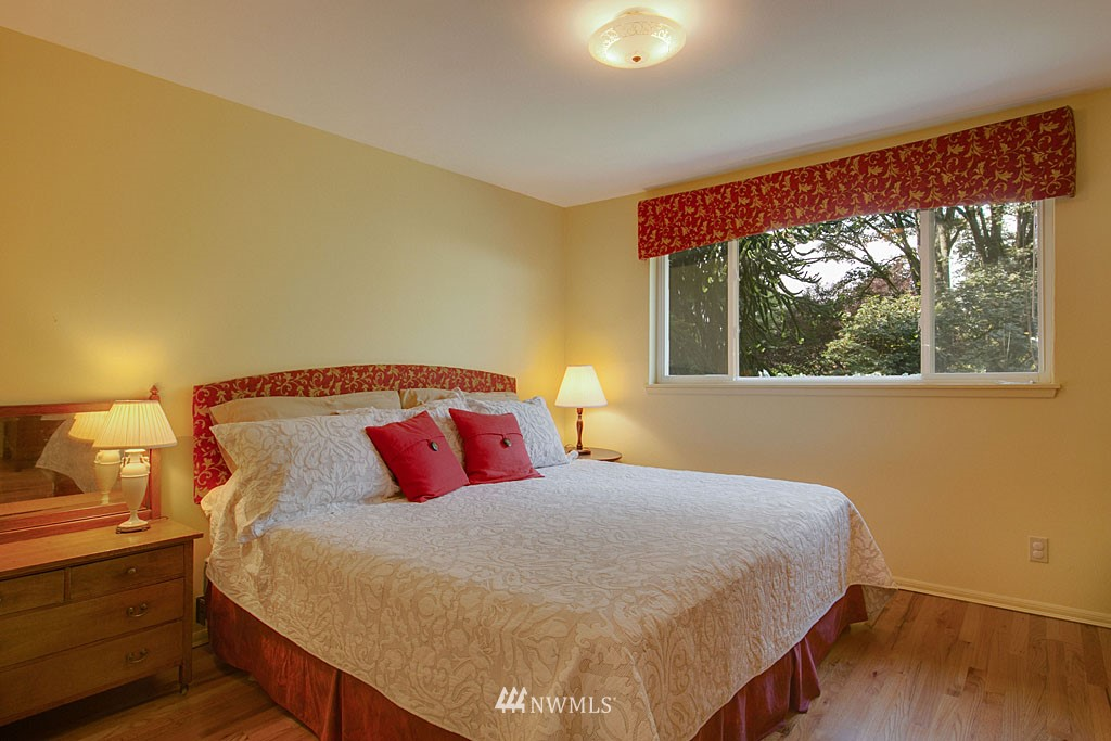 Sold Property   7527 28th Avenue NE Seattle, WA 98115 8