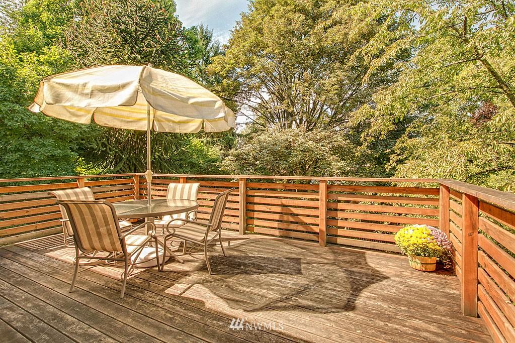 Sold Property   7527 28th Avenue NE Seattle, WA 98115 5