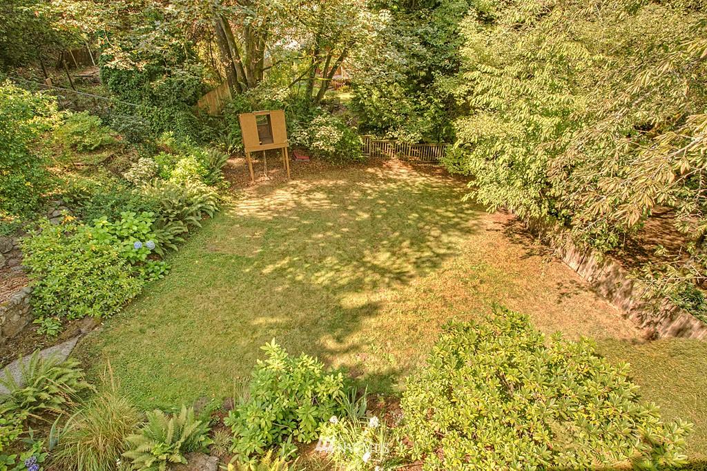 Sold Property   7527 28th Avenue NE Seattle, WA 98115 15