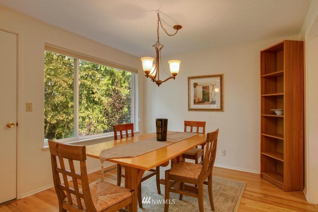Sold Property   7527 28th Avenue NE Seattle, WA 98115 4
