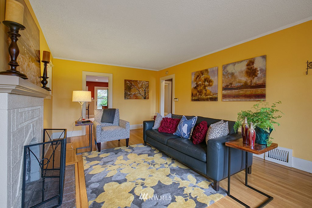 Sold Property   832 NW 67th Street Seattle, WA 98117 2