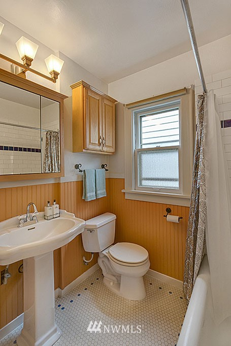 Sold Property   832 NW 67th Street Seattle, WA 98117 8