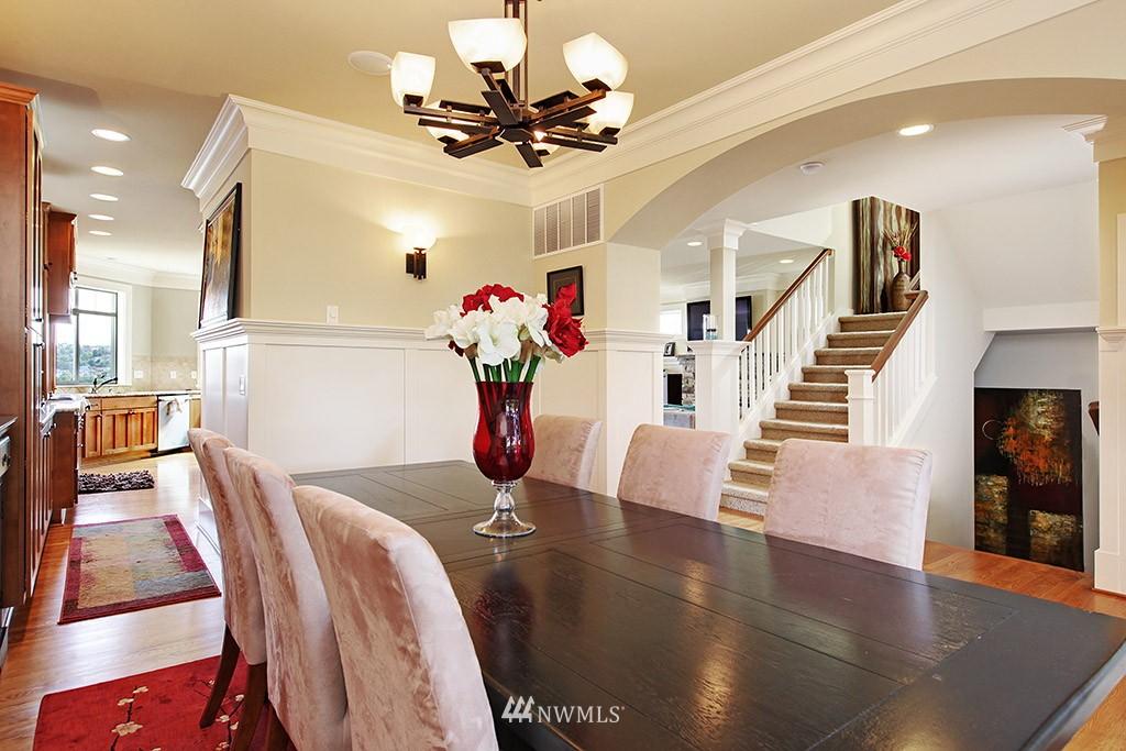 Sold Property | 1024 W Ruffner Street Seattle, WA 98119 7