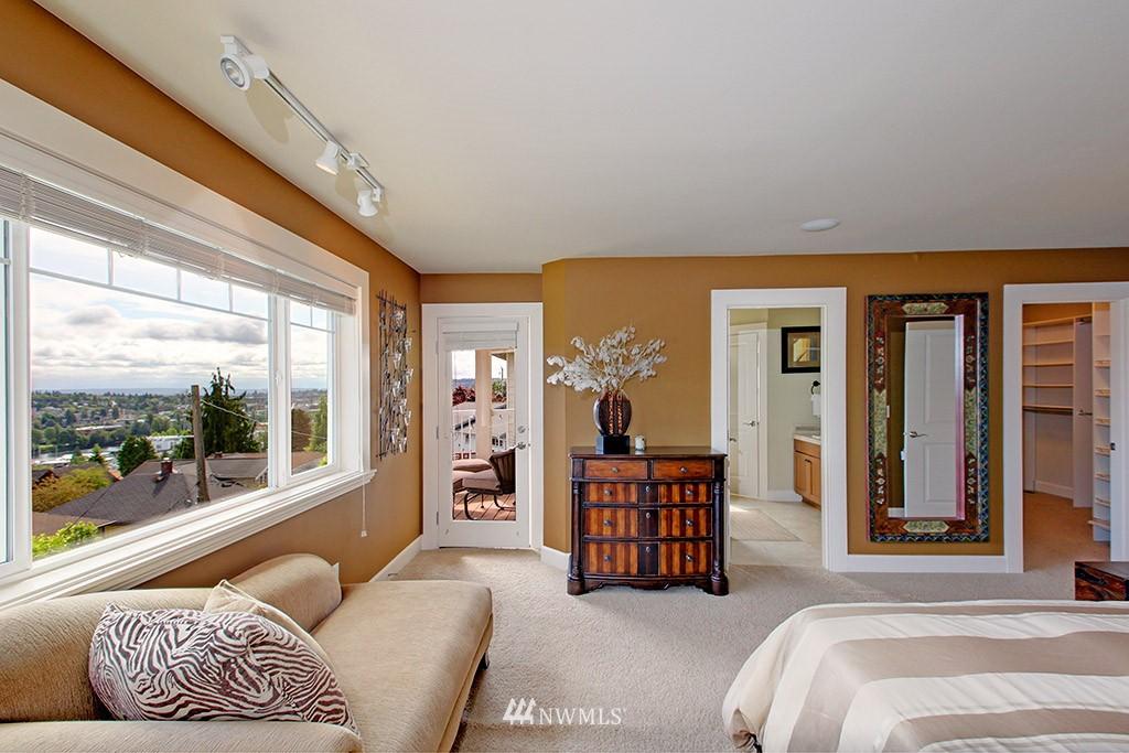Sold Property | 1024 W Ruffner Street Seattle, WA 98119 11