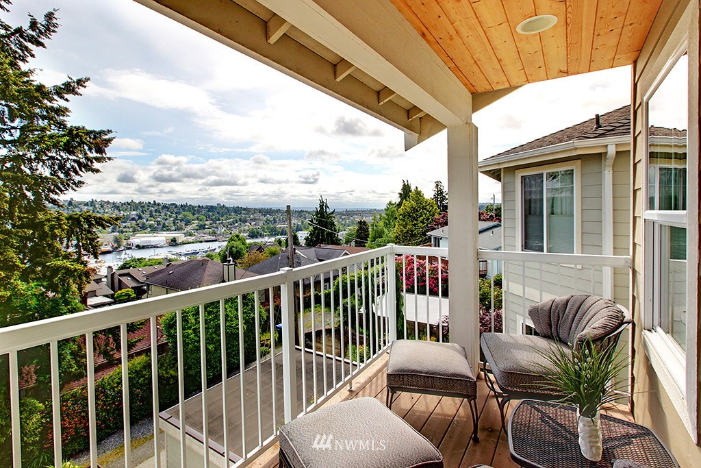 Sold Property | 1024 W Ruffner Street Seattle, WA 98119 12