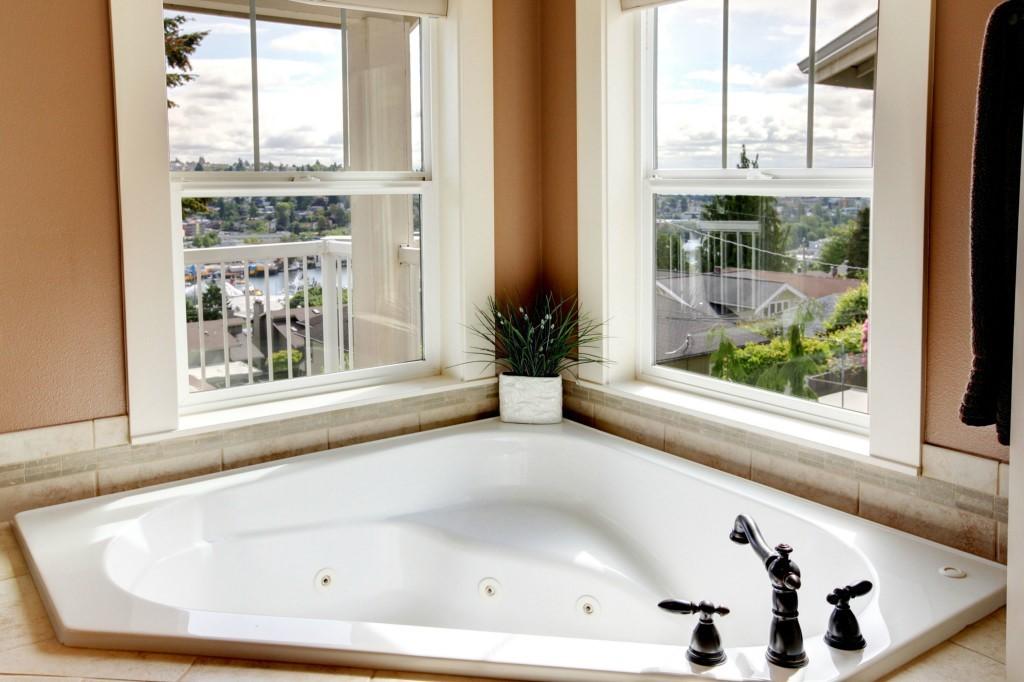 Sold Property | 1024 W Ruffner Street Seattle, WA 98119 14