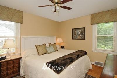 Sold Property | 3259 NE 98th  Street Seattle, WA 98115 5