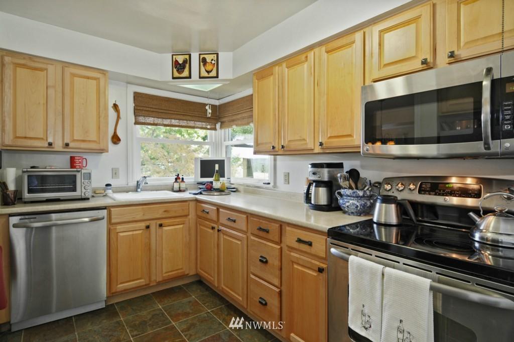 Sold Property | 3259 NE 98th  Street Seattle, WA 98115 8