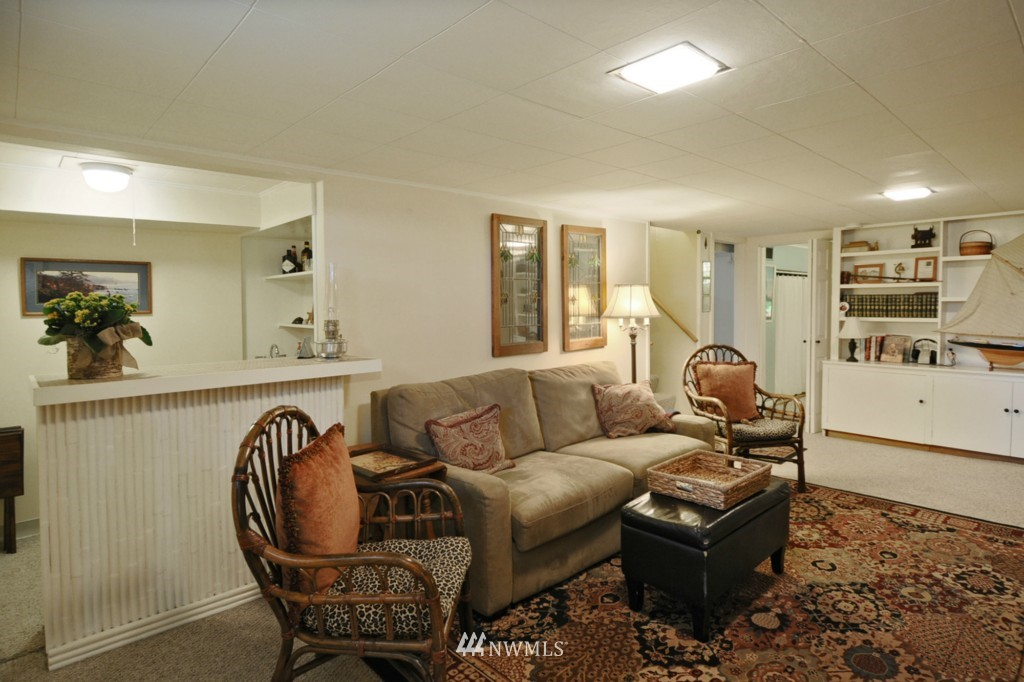 Sold Property | 3259 NE 98th  Street Seattle, WA 98115 15