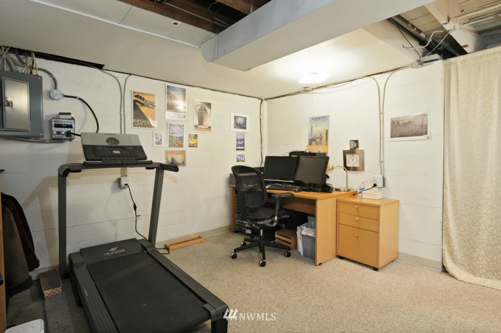Sold Property | 3259 NE 98th  Street Seattle, WA 98115 17