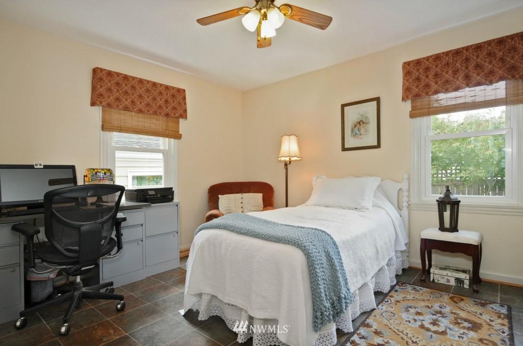 Sold Property | 3259 NE 98th  Street Seattle, WA 98115 6