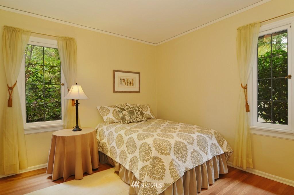 Sold Property | 8921 25th  Place NE Seattle, WA 98115 7