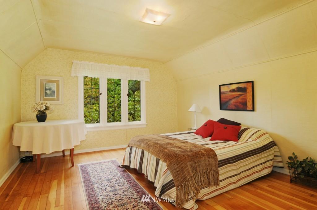 Sold Property | 8921 25th  Place NE Seattle, WA 98115 9