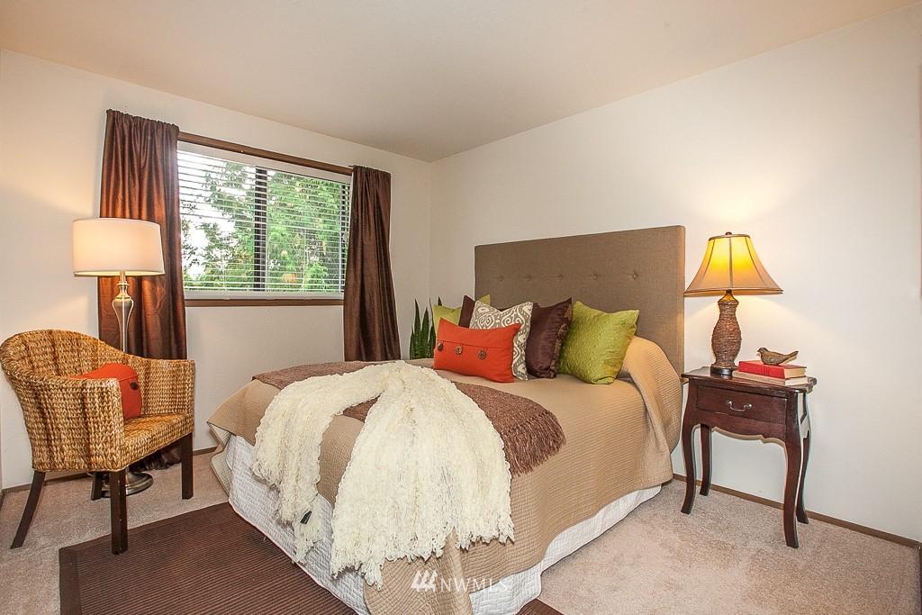 Sold Property | 14327 19th Avenue NE Seattle, WA 98125 6
