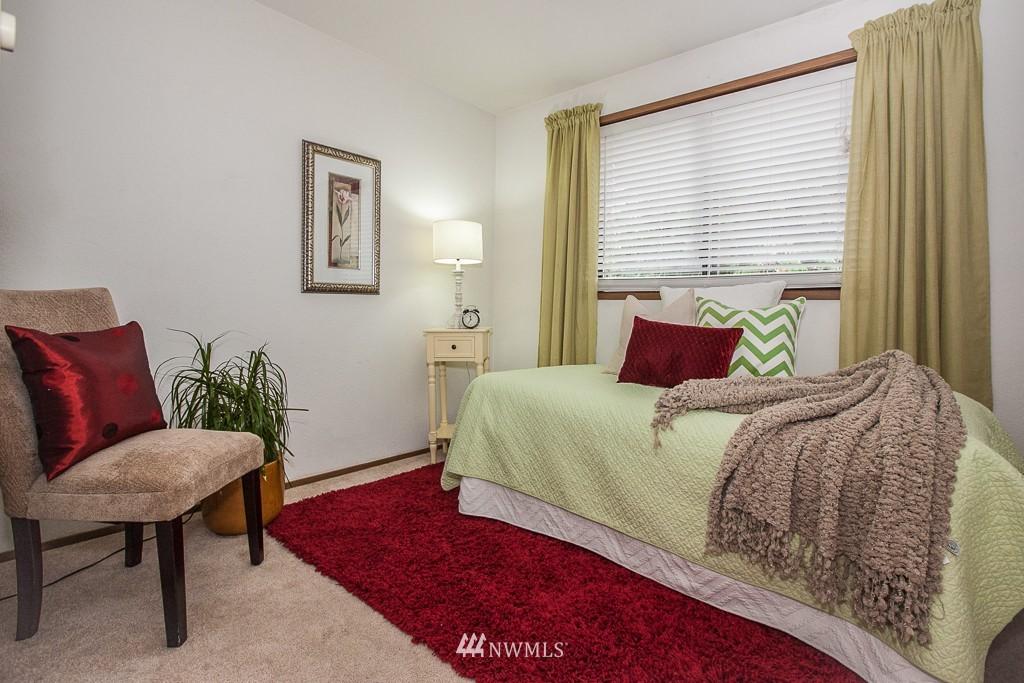 Sold Property | 14327 19th Avenue NE Seattle, WA 98125 7