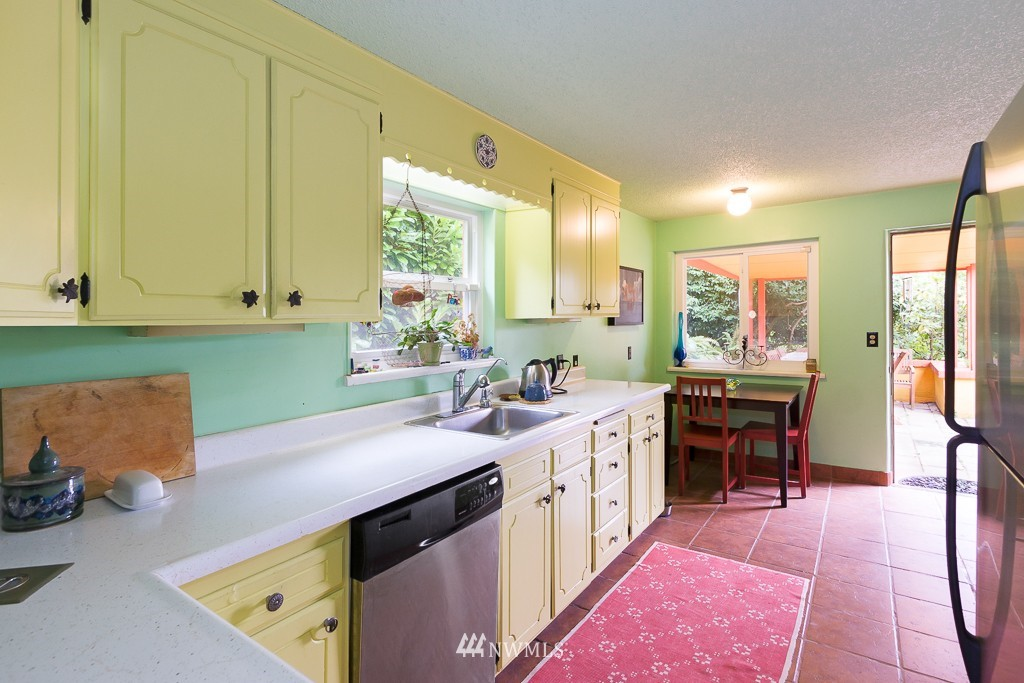 Sold Property | 12012 Evanston Avenue N Seattle, WA 98133 7