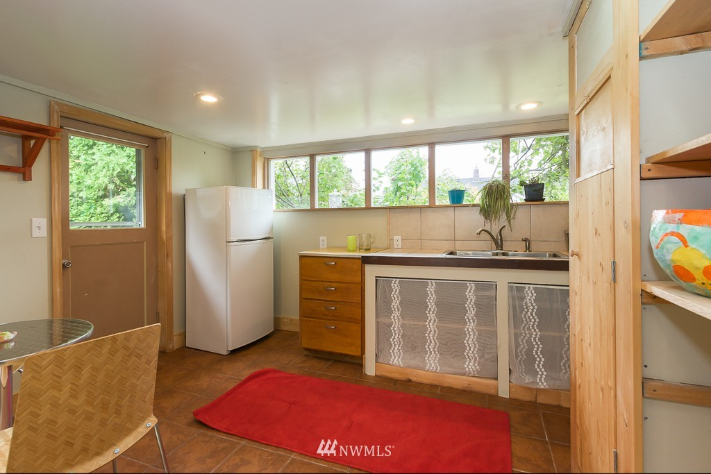 Sold Property | 12012 Evanston Avenue N Seattle, WA 98133 16