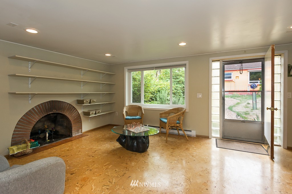 Sold Property | 12012 Evanston Avenue N Seattle, WA 98133 18