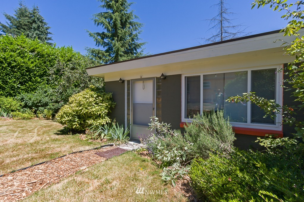 Sold Property | 12012 Evanston Avenue N Seattle, WA 98133 15