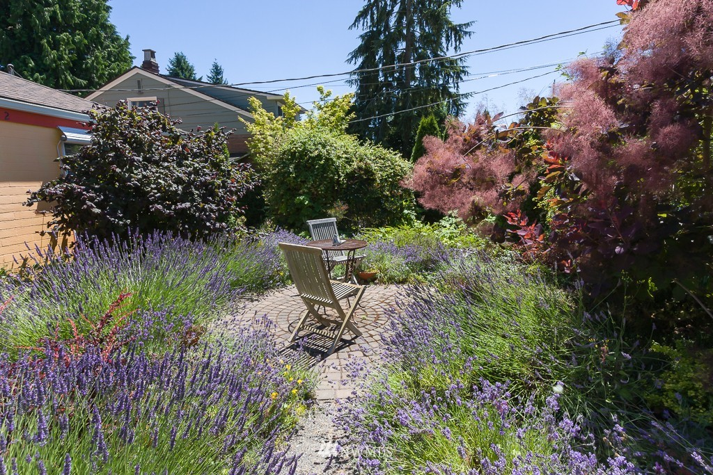 Sold Property | 12012 Evanston Avenue N Seattle, WA 98133 22