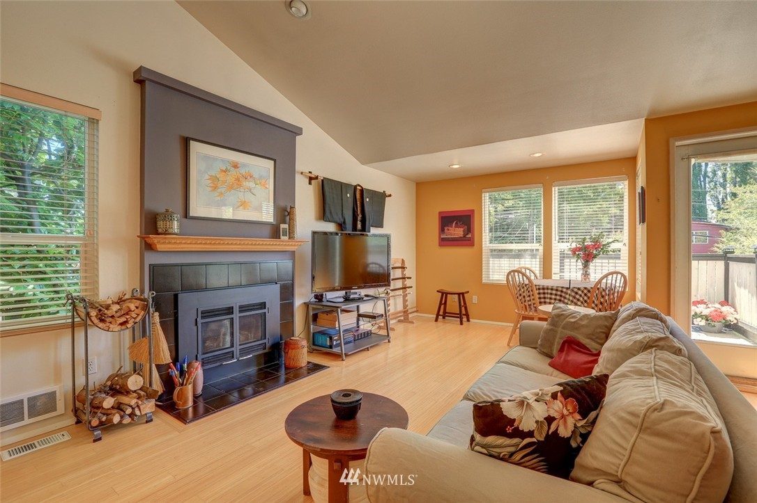 Sold Property | 414 NE 95th Street Seattle, WA 98115 3