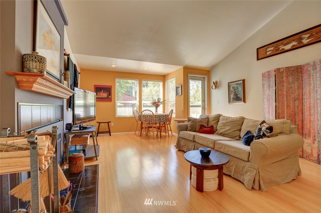 Sold Property | 414 NE 95th Street Seattle, WA 98115 4