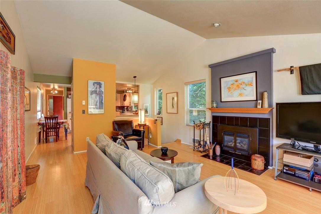 Sold Property | 414 NE 95th Street Seattle, WA 98115 5